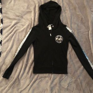 PiINK zip-up hoodie